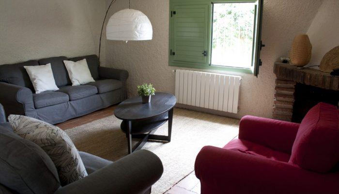 foto01_casa_rural_girona_calbellesmas_salon-4.jpg